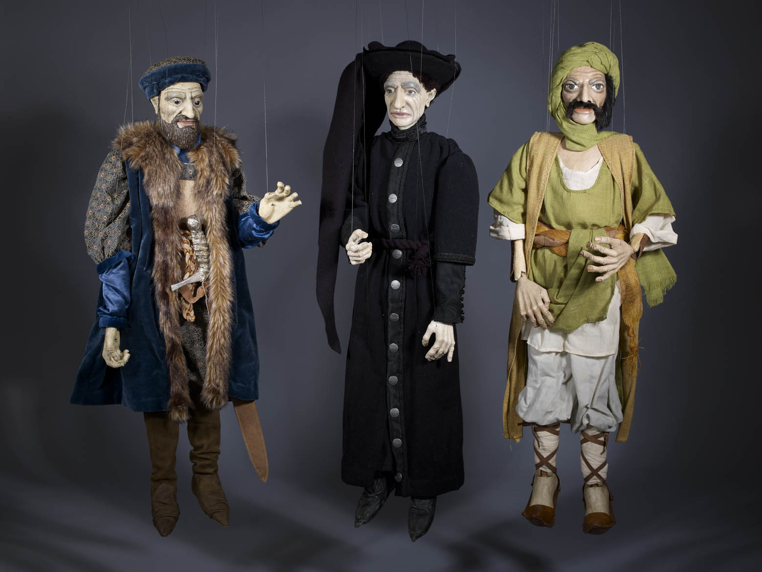 Jorge Cerqueira, Three marionettes (from left to right): Vasco da Gama, Infante D. Henrique, Monsayeed, from Luís de Camões,