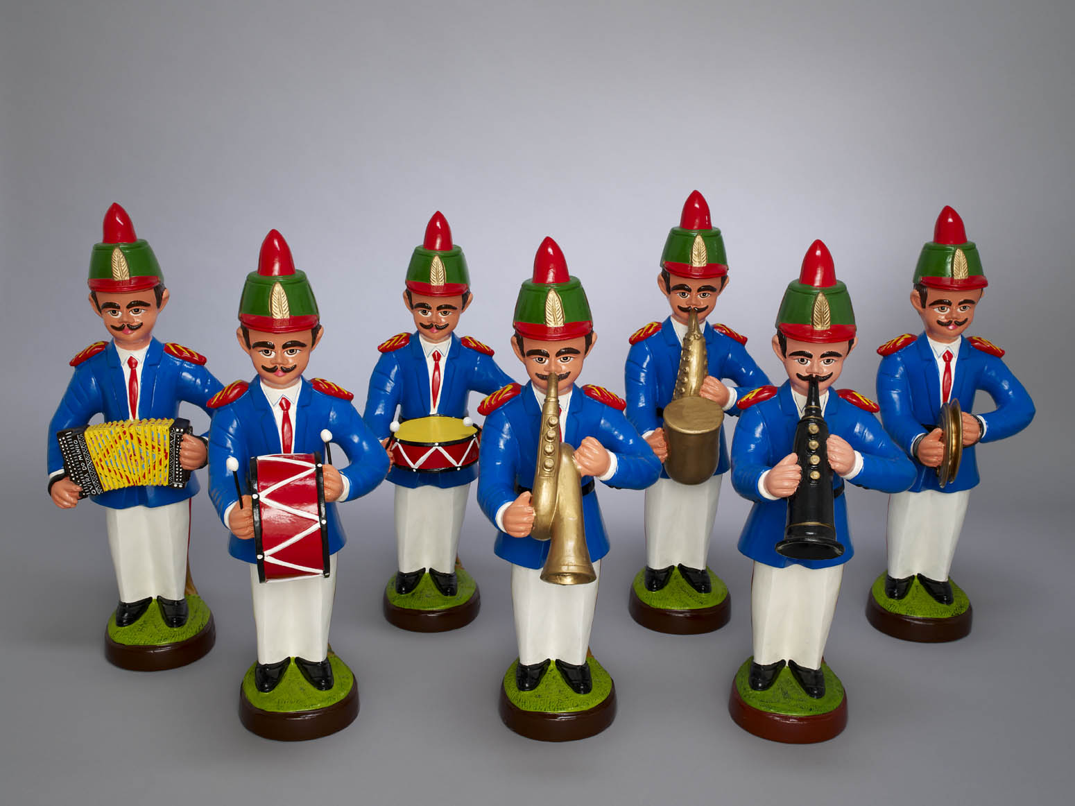 Maria Helena Pedro da Silva, Ceramic figures of bandsmen, Barcelos, 2010. Photo: Kyla Bailey.